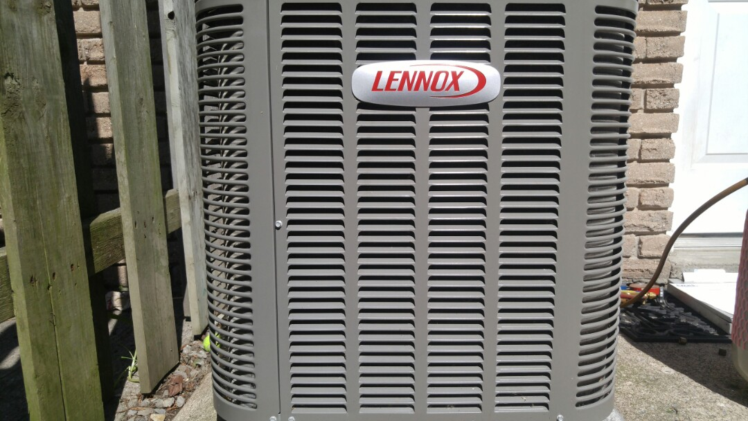 Niagara Falls, ON - Maintenance call. Performed air conditioner maintenance on Lennox unit.