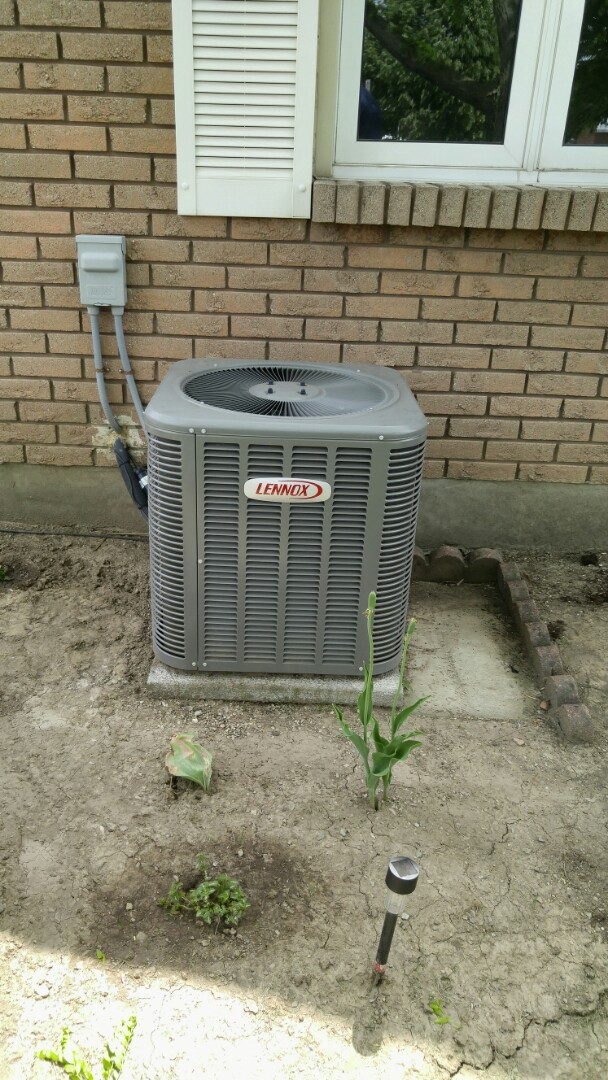 St. Catharines, ON - Maintenance call. Performed air conditioner maintenance on Lennox unit.