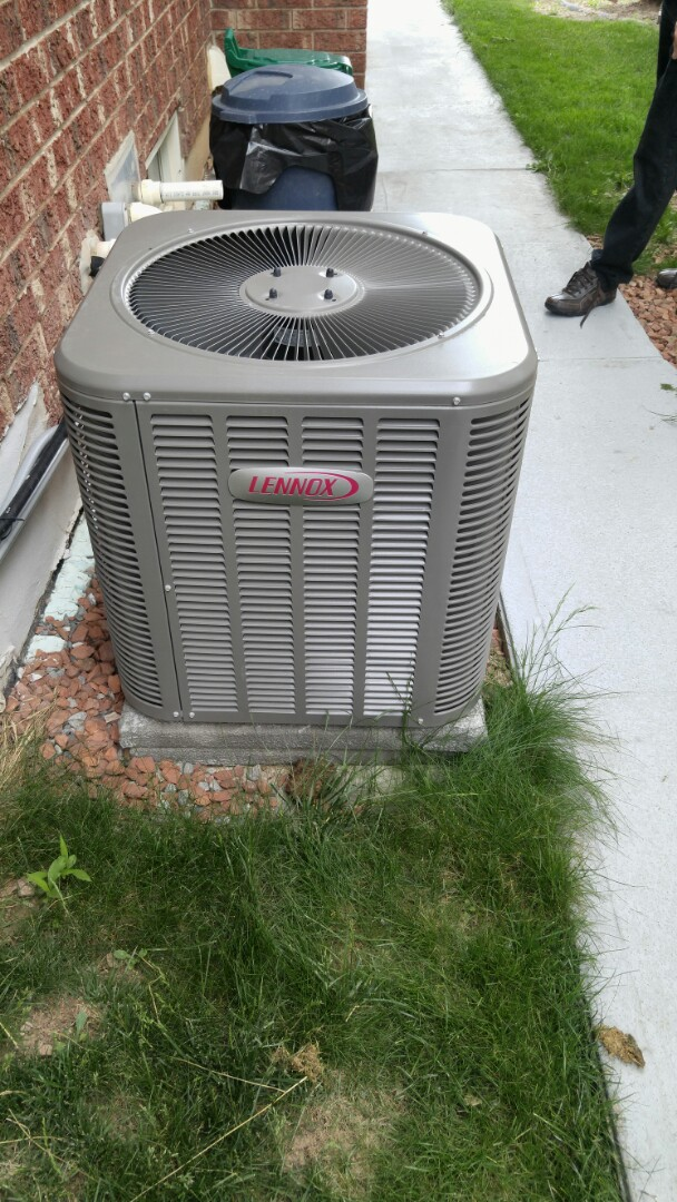 Niagara Falls, ON - Service call. Performed air conditioner repair on Lennox unit.