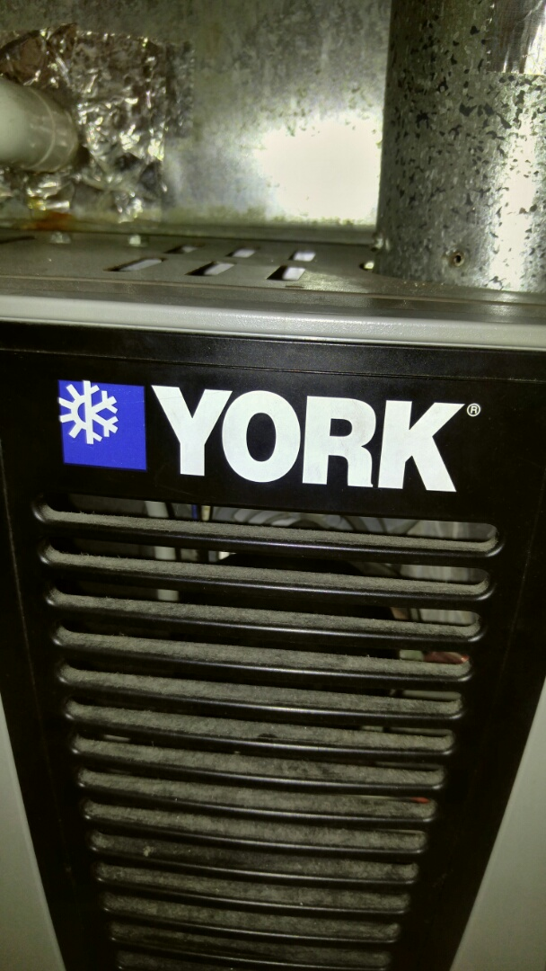 Niagara Falls, ON - Maintenance call. Performed furnace and air conditioner maintenance on York units.