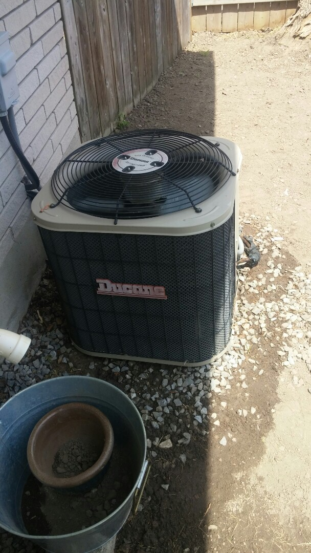 Niagara Falls, ON - Maintenance and inspection of Ducane air conditioner.