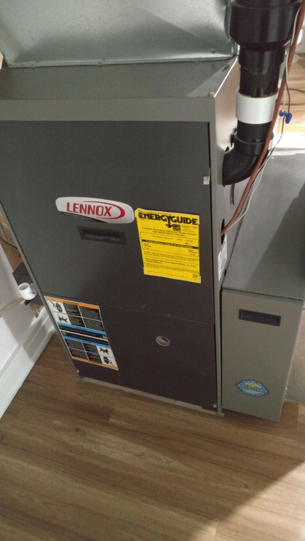Niagara Falls, ON - Maintenance and inspection of Lennox G61 furnace and HRV.