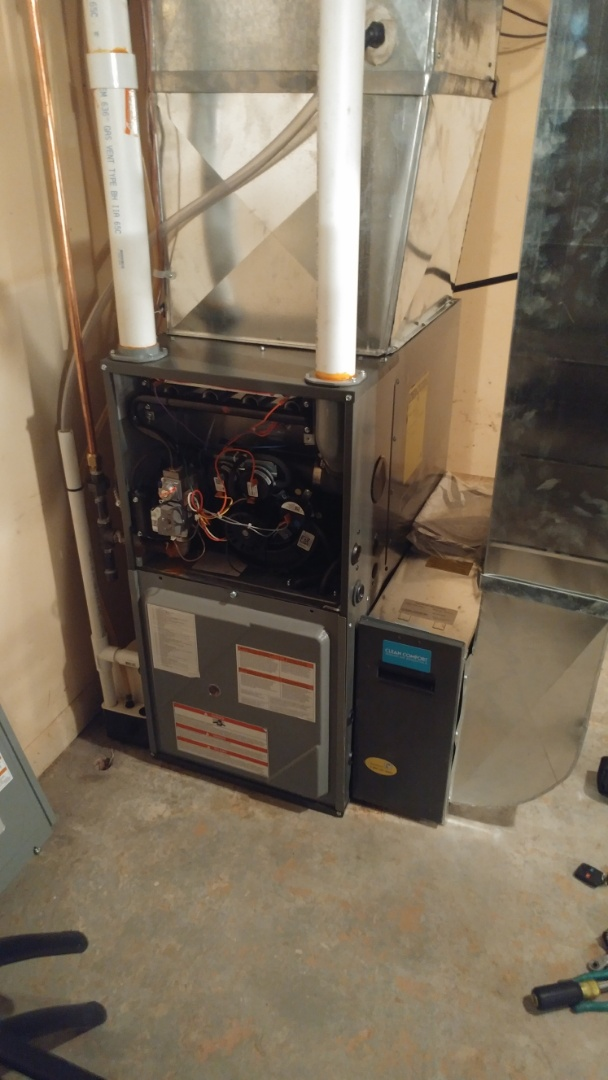 Niagara Falls, ON - Maintenance and inspection of daikin furnace and humidifier.