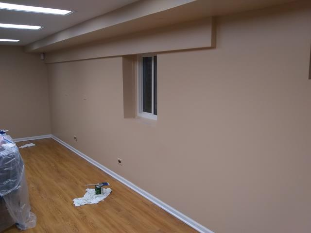 Northbrook, IL - This is a week later, now the walls are repaired and painted.