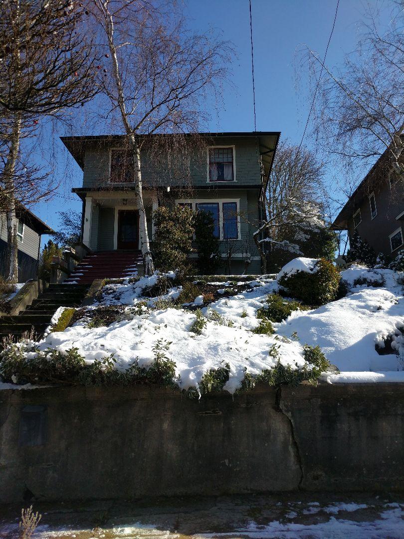 Seattle, WA - Snow what snow ? We clean windows rain , snow or shine??????