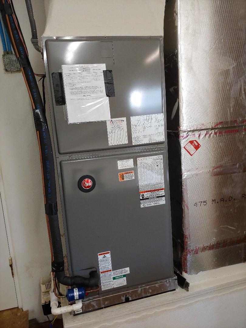 Flagler Beach, FL - HVAC maintenance on Rheem split system.