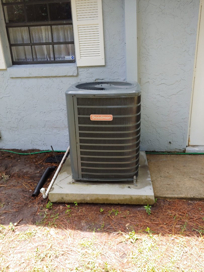 Palm Coast, FL - Preformed preventive maintenance on Goodman Heat pump equipment.