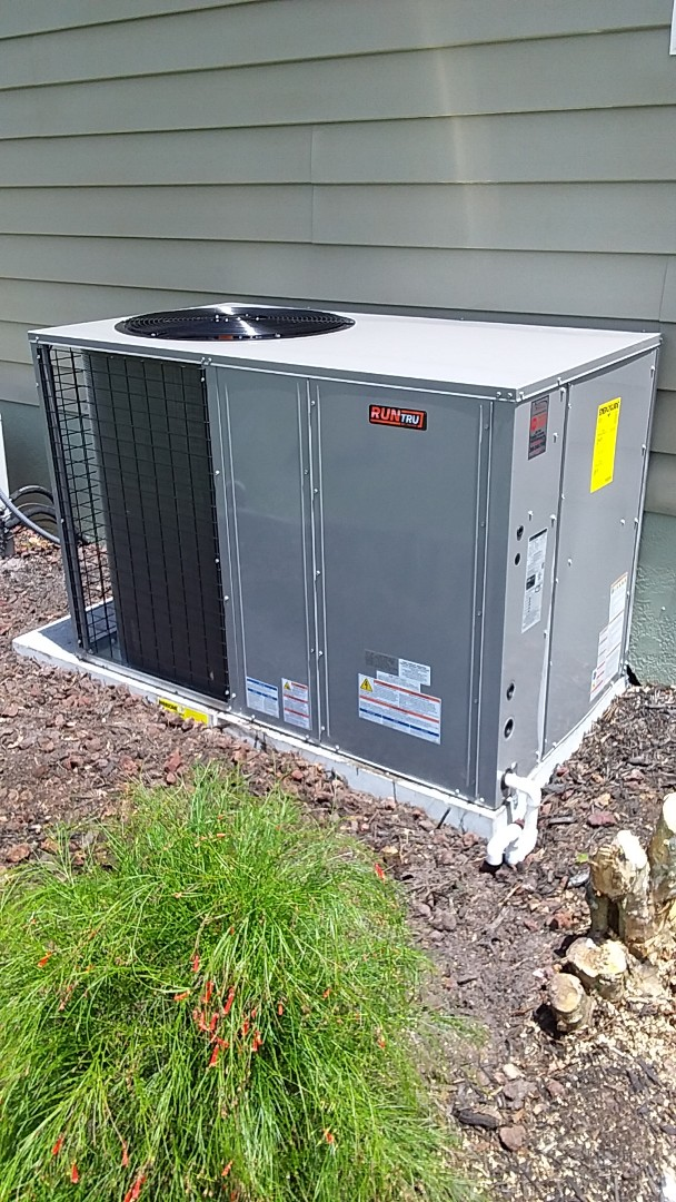 Bunnell, FL - Package unit install. Bunnell