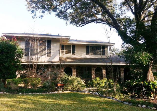 San Antonio, TX - Roof replacement on this gorgeous 2 story San Antonio home using Driftwood shingles.