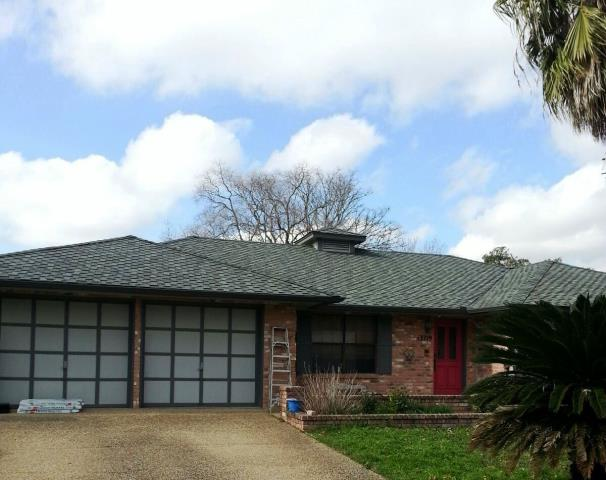San Antonio, TX - Roof replacement using Grand Sequoia Slate shingles.