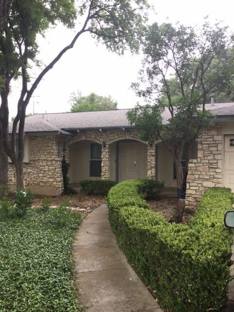 San Antonio, TX - New roof for our neighbors near Woodland Park in the San Antonio area. Are you in the same area and need a new roof or even a roof repair? Be sure you call the roofing contractors of Integrity Roofing  & Siding for your free estimate.