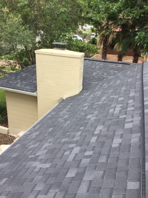 San Antonio, TX - Beautiful new roof installed near the Alamo Heights area, by San Antonio's local roofing contractors, Integrity Roofing & Siding. Call us for a FREE ESTIMATE 210-340-ROOF