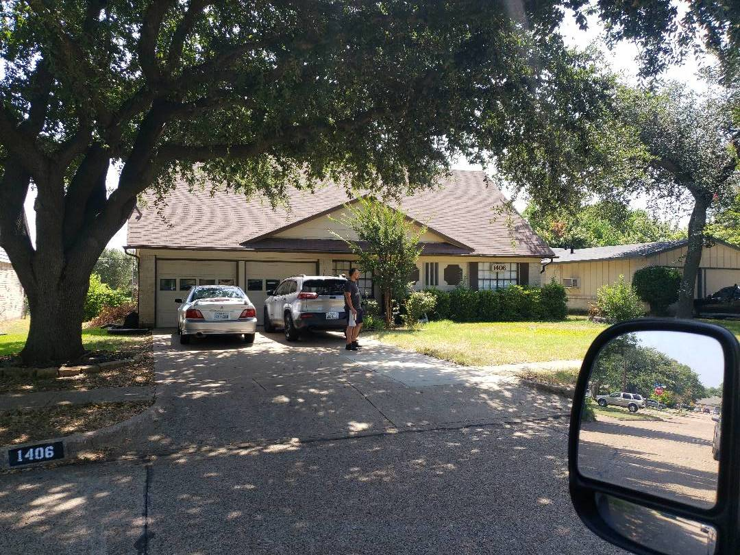 Richardson, TX - Finalizing a contract for build