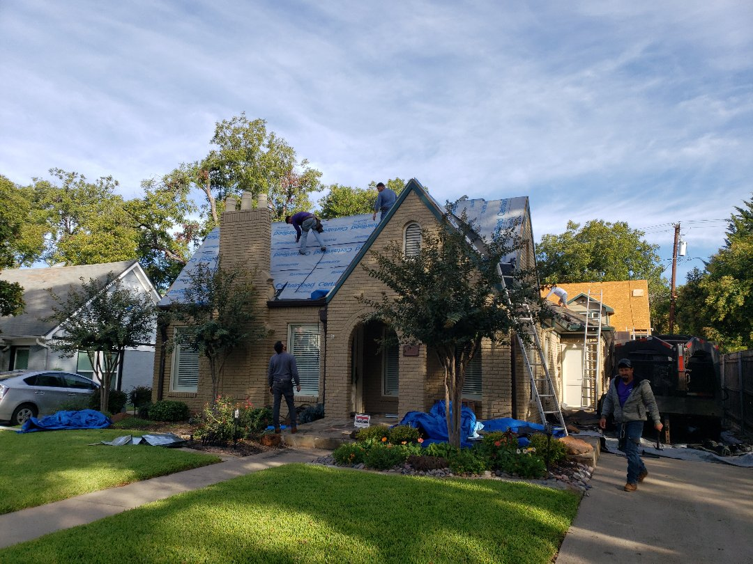 Dallas, TX - Roof installation