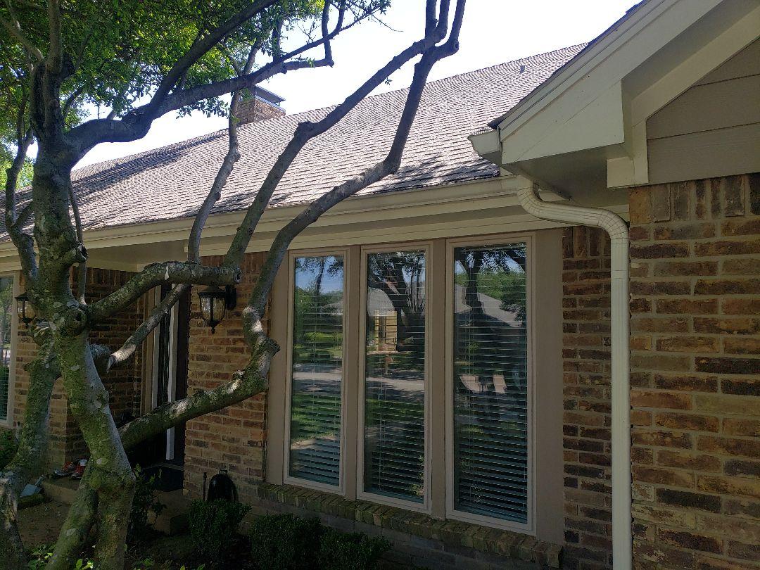 Dallas, TX - Looking at a gutter repair
