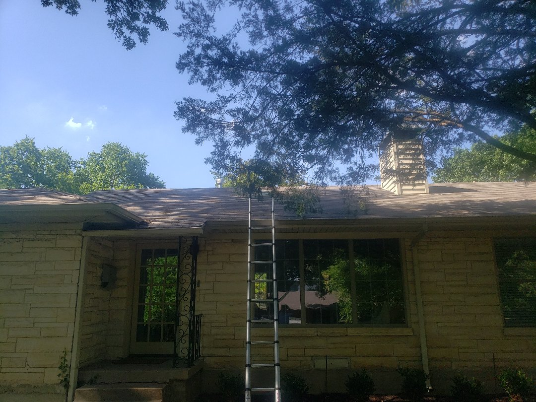 Dallas, TX - House is under contract and the buyer's inspector said there appeared to be hail damage and to consult a roofing contractor. I am here to verify hail damage and the general condition of the roof.