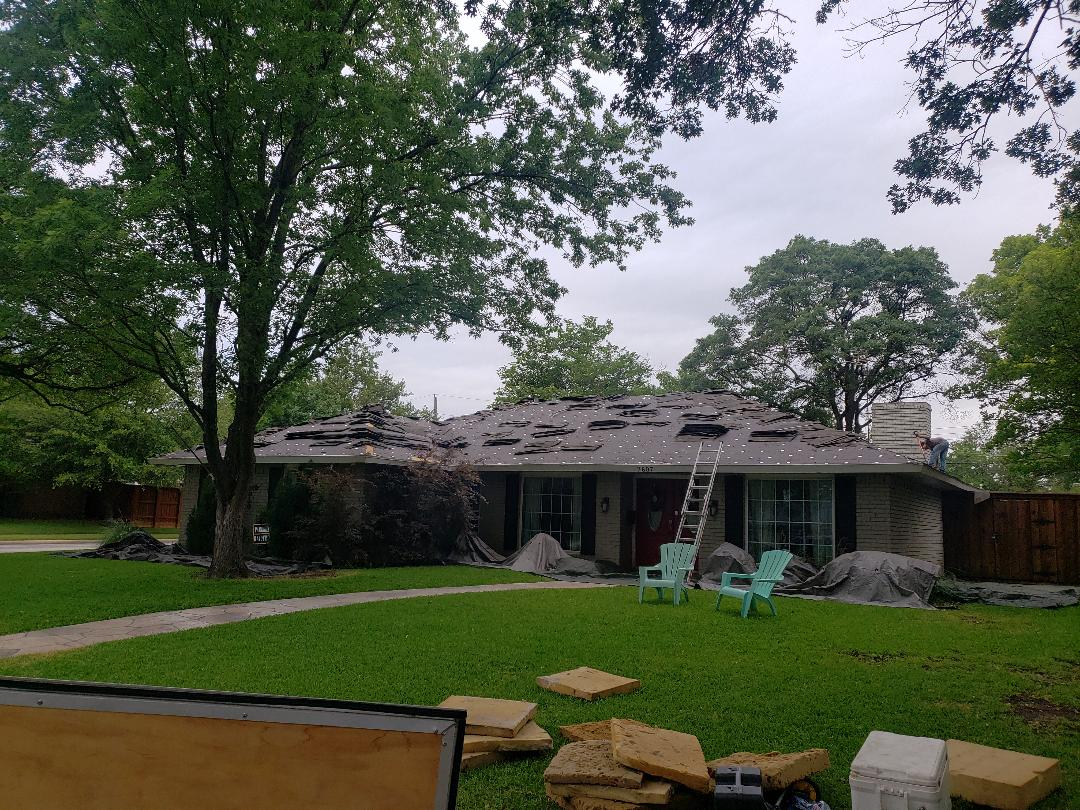 Dallas, TX - Installing a brand new roof with GAF Timberline HD shingles!