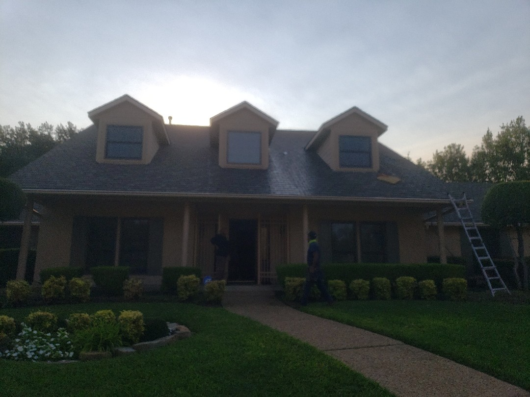Dallas, TX - 3 year roof checkup on this GAF Camelot shingle.