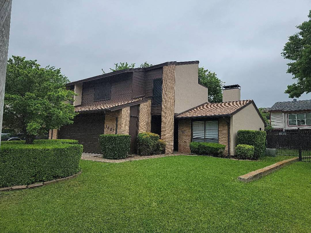 Garland, TX - Inspecting this roof for a buyer under contract.