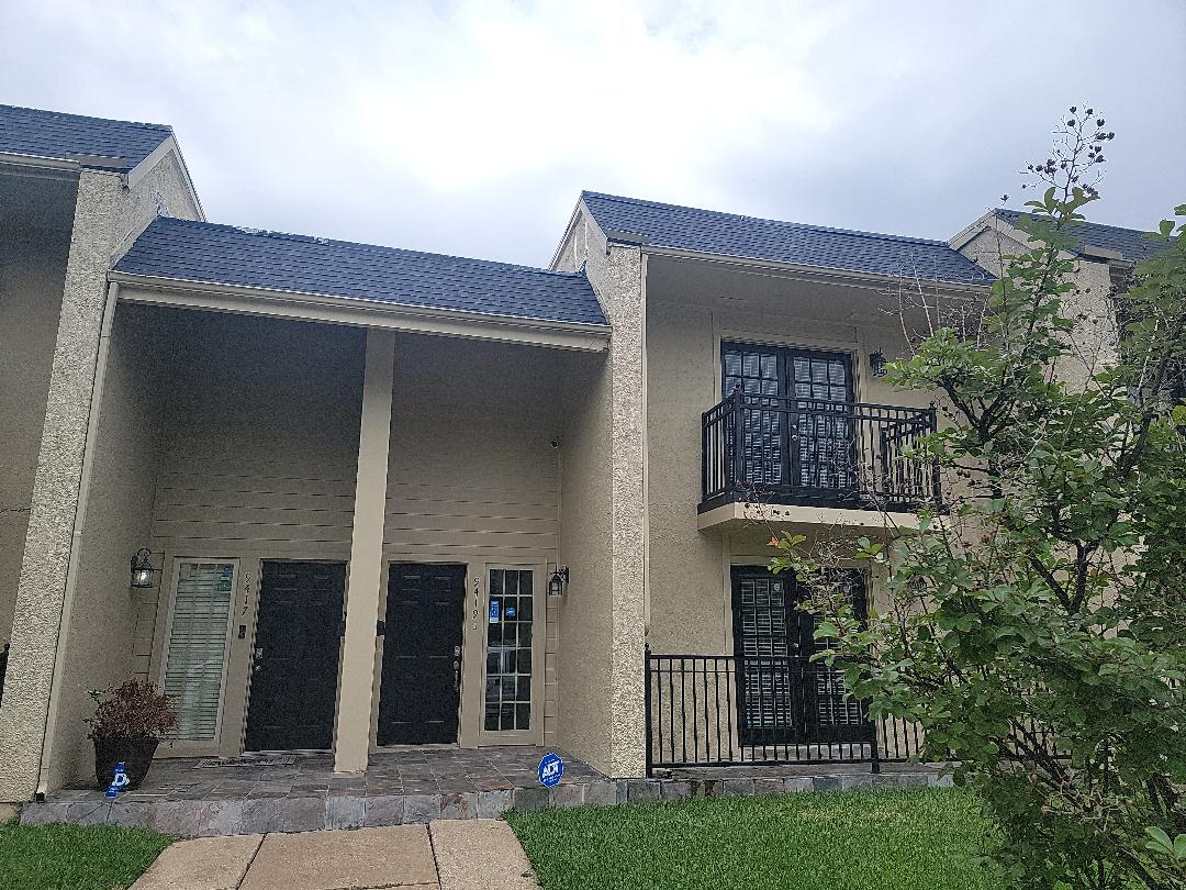 Dallas, TX - Looking at this roof for a realtor who has a contract on the house.