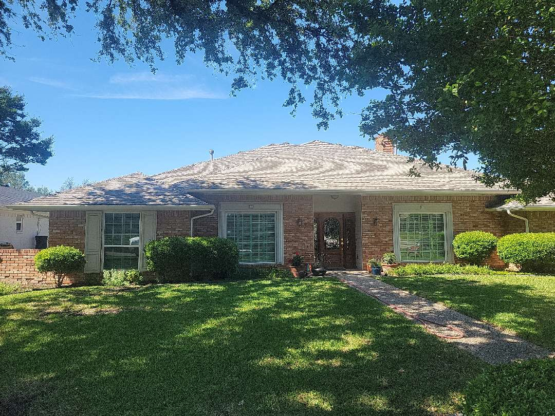 Dallas, TX - Quality check on this 4 year old GAF Timberline installation.