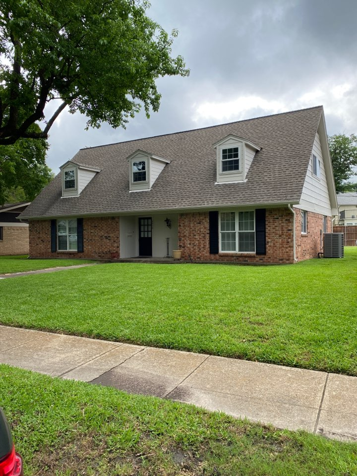 Richardson, TX - Free roof inspection for possible wind and hail damage with insurance company