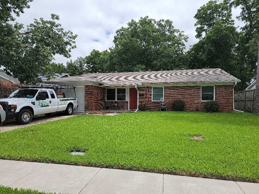 Richardson, TX - Looking at a siding issue for one of our loyal customers.