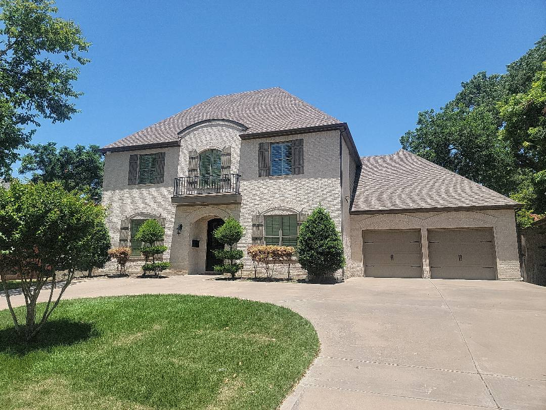 Fort Worth, TX - Inspecting this roof for hail damage in the recent Fort Worth hail storms.