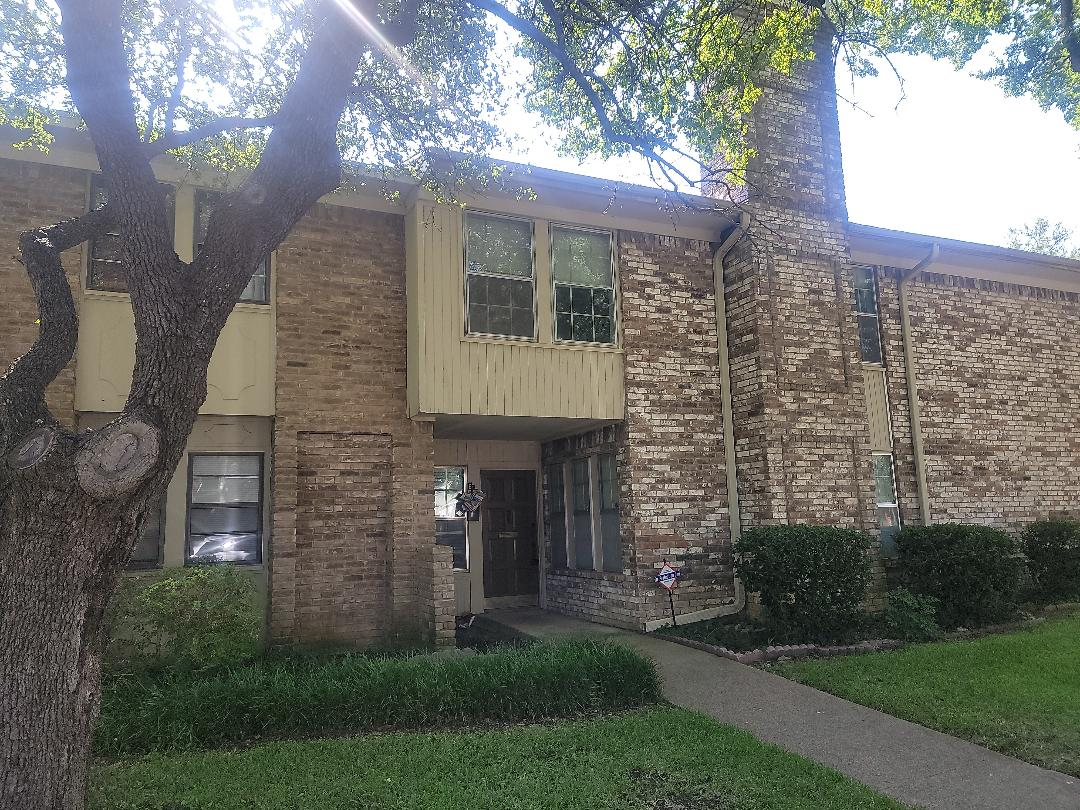 Richardson, TX - Trying to locate the source of a roof leak sobwe can do a roof repair.