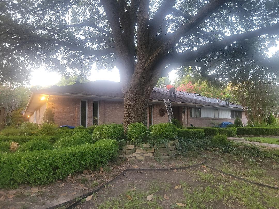 Richardson, TX - Tearing off this roof and replacing with Certainteed landmark.