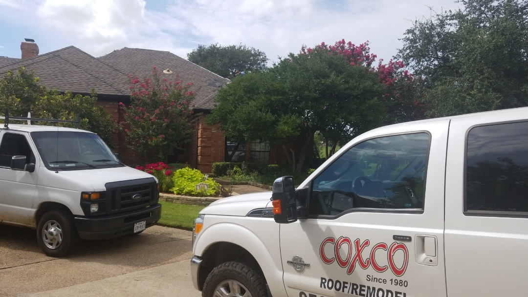 Irving, TX - Hackberry Creek GAF Impact resistant shingle.  Beautiful roof on a lovely home.  Hackberry Creek install.  Great day!