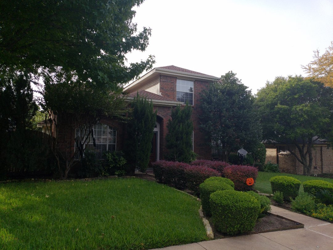 Plano, TX - Discussing roof replacement with homeowner