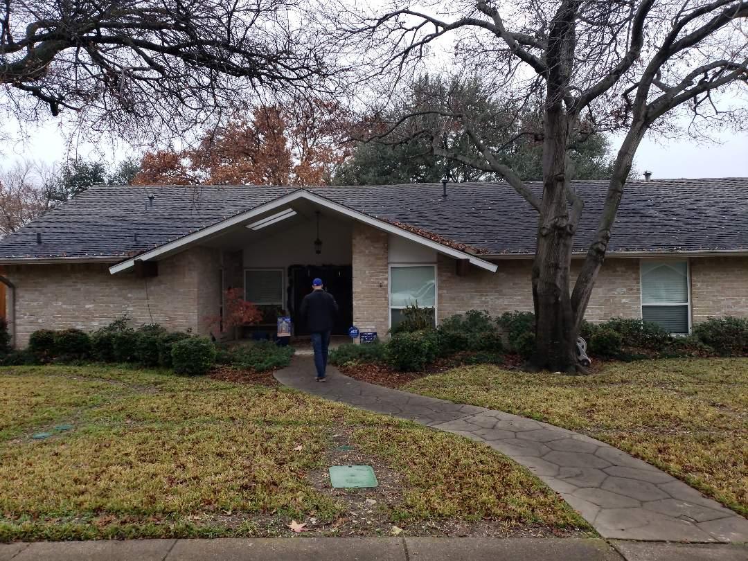 Dallas, TX - Tracking down a roofleak