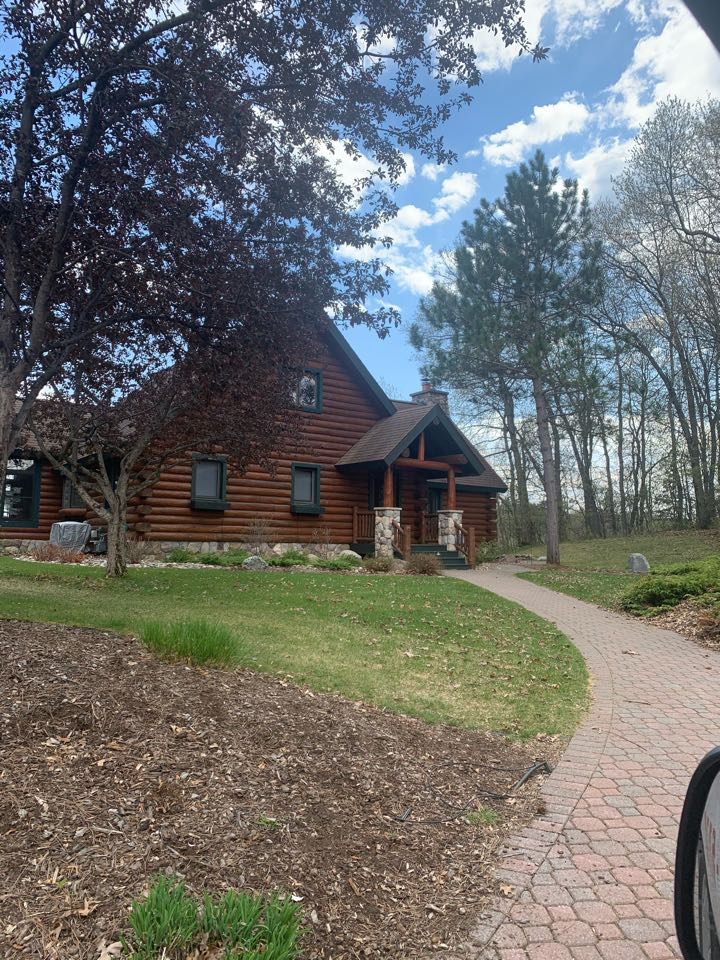 """Pequot Lakes, MN - Log siding is critical to have good gutters to protect the weather in for years to come contact advantage seamless gutters to protect your log cabin or your log siding 5 inch 6"""" Valor gutter protection five star rated Best in  Lakes area Advantage Seamless Gutters"""