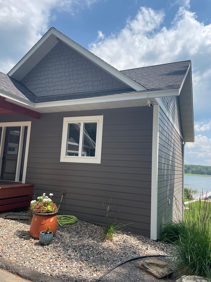 Pequot Lakes, MN - Add a new gutter and valor gutter protection to protect us home for years to come call Advantage Seamless gutters 5 inch 6 inch half round designer gutters best in Lake country