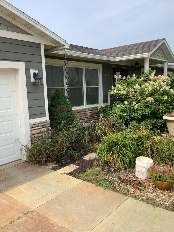 """Grinnell, IA - Install 6 inch seamless gutters. Install 3 x 4"""" downspouts with tile adapters. Install custom downspout rain chains"""