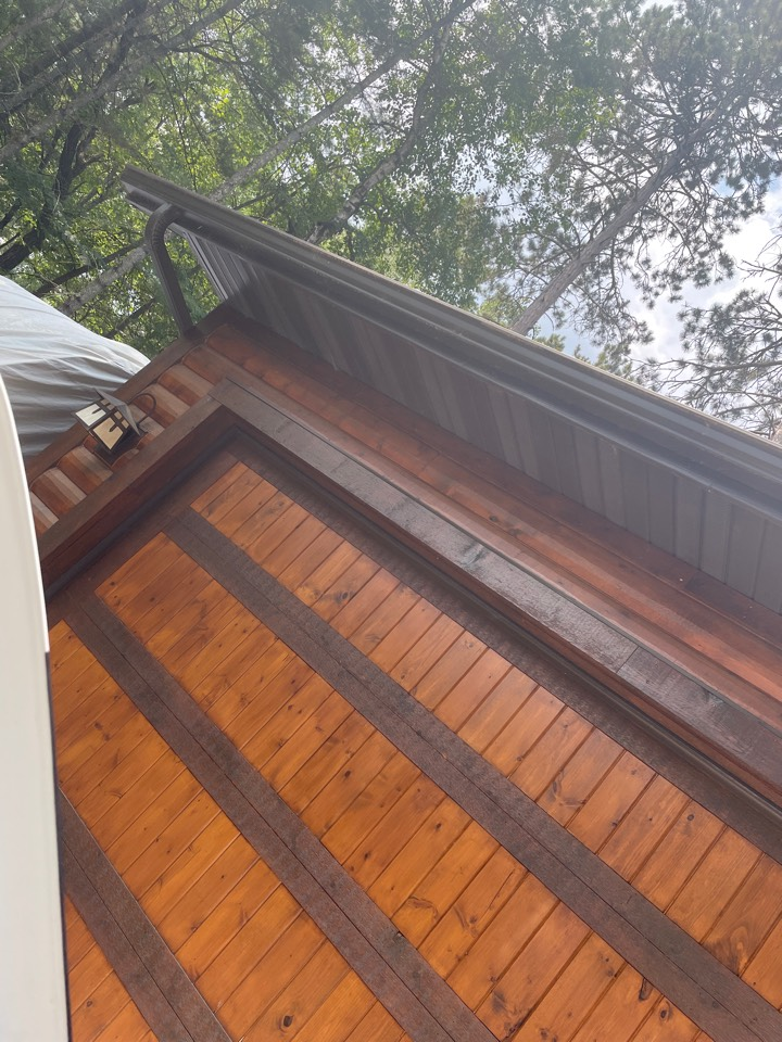Pequot Lakes, MN - Tired of cleaning those gutters add Valor gutter protection to keep them clog free for 25 years call Advantage Seamless gutters Best in Lakes area Beth Gutters in Lake country