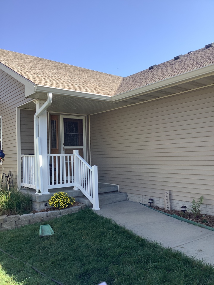"""Johnston, IA - Install 6 inch seamless gutters multicolor. Install 3 x 4"""" downspouts with hinges."""