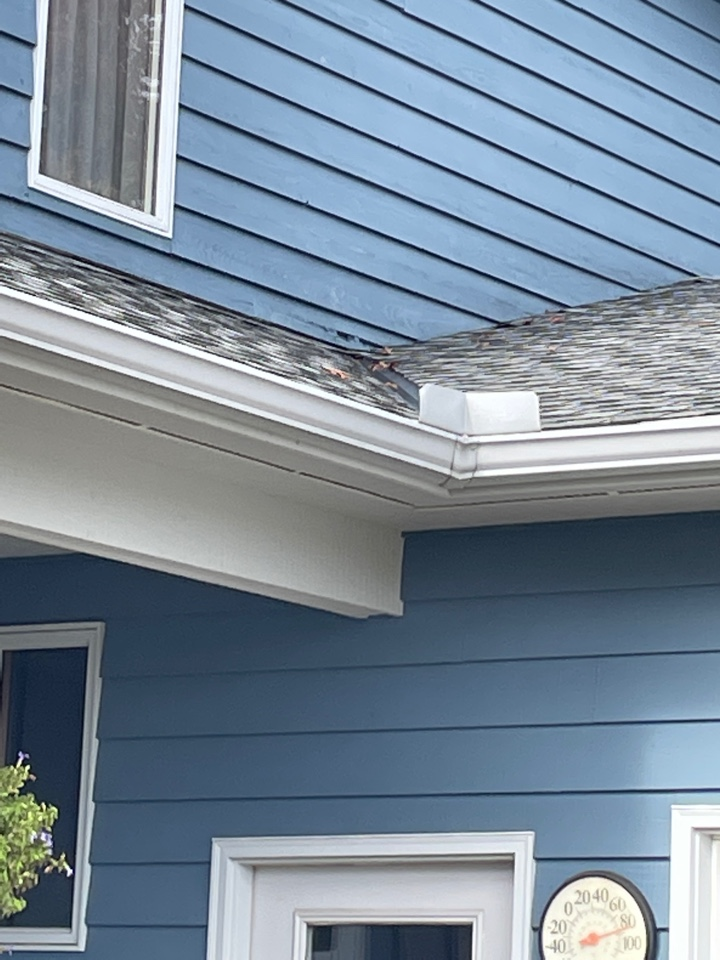 Emily, MN - Well here we are again another miter that's leaking because it was installed improperly contacted vanity seamless gutters your gutter experts for maintenance cleaning repair and also gutter covers Best Gutters and Crosslake and Fifty Lakes and in the week country