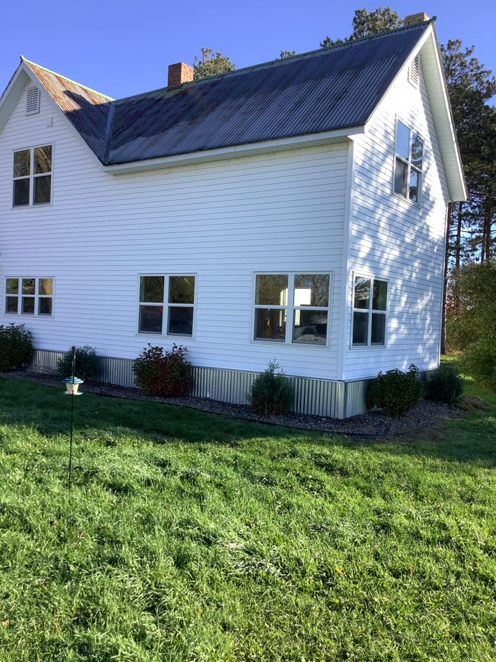 Aitkin, MN - Free gutter estimates for seamless gutters with 3by4 inch downspouts and self cleaning gutter guards . Best gutters in the lakes area. Advantage seamless gutters