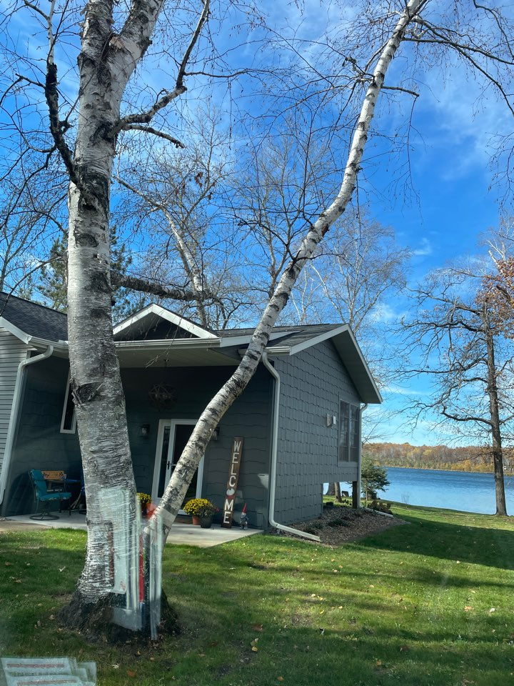 Crosslake, MN - Get your valor gutter protection fall is upon us leaves are falling keep those gutters clean call Advantage Seamless Gutters your Lakes area Lake country best and Crosslake gutters