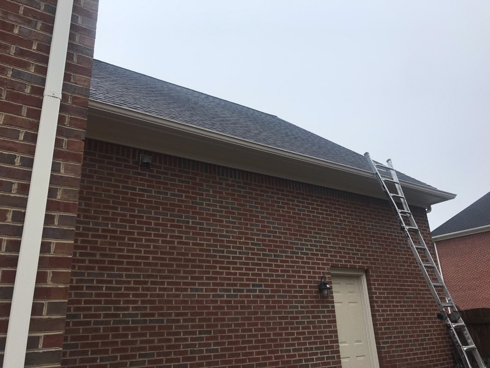 Knoxville, TN - Smocilac Residence quoting roof and gutter repairs