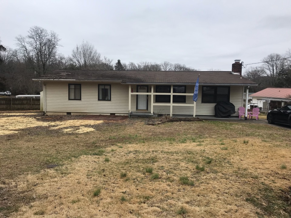 Knoxville, TN - Quoting storm damage roof replacement