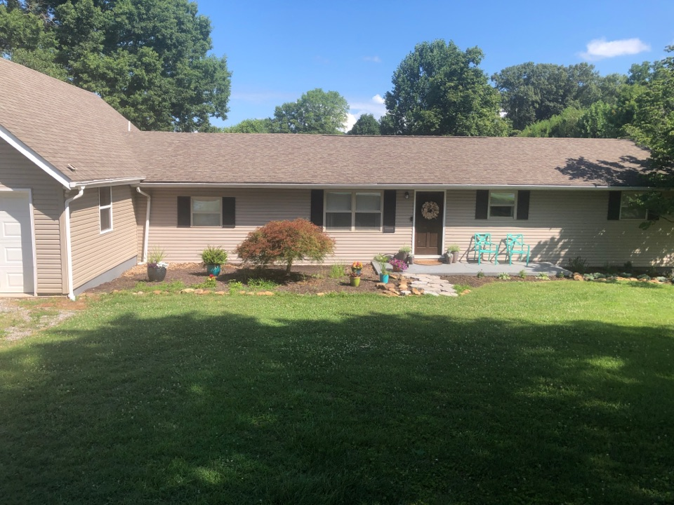 Knoxville, TN - I'm here to inspect and measure this home for a full exterior remodel.