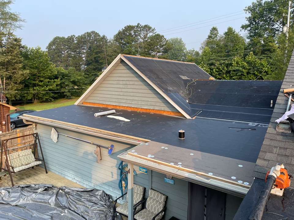 Knoxville, TN - Roof replacement in progress
