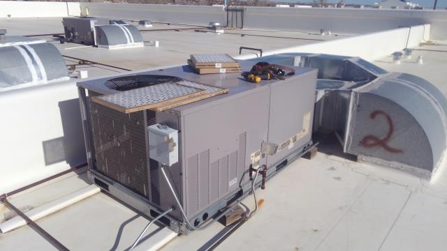 Albuquerque, NM - Perform maintenance on heating and cooling rooftop unit