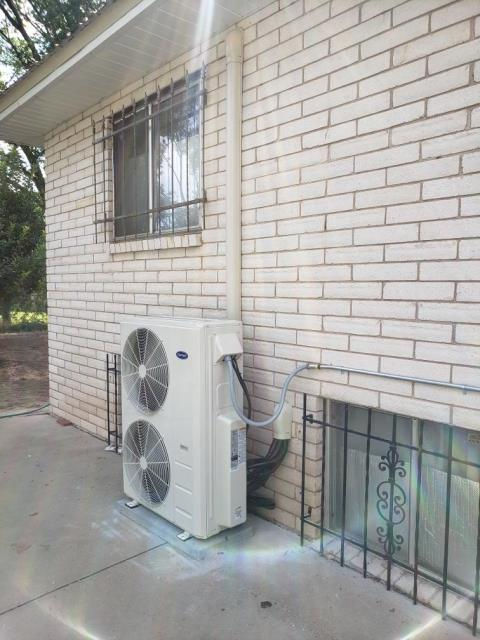 Los Ranchos de Albuquerque, NM - Ductless split heat pump system installation