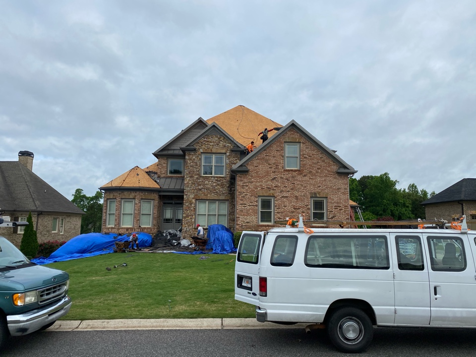 Jefferson, GA - Installing a roof in Traditions of Braselton