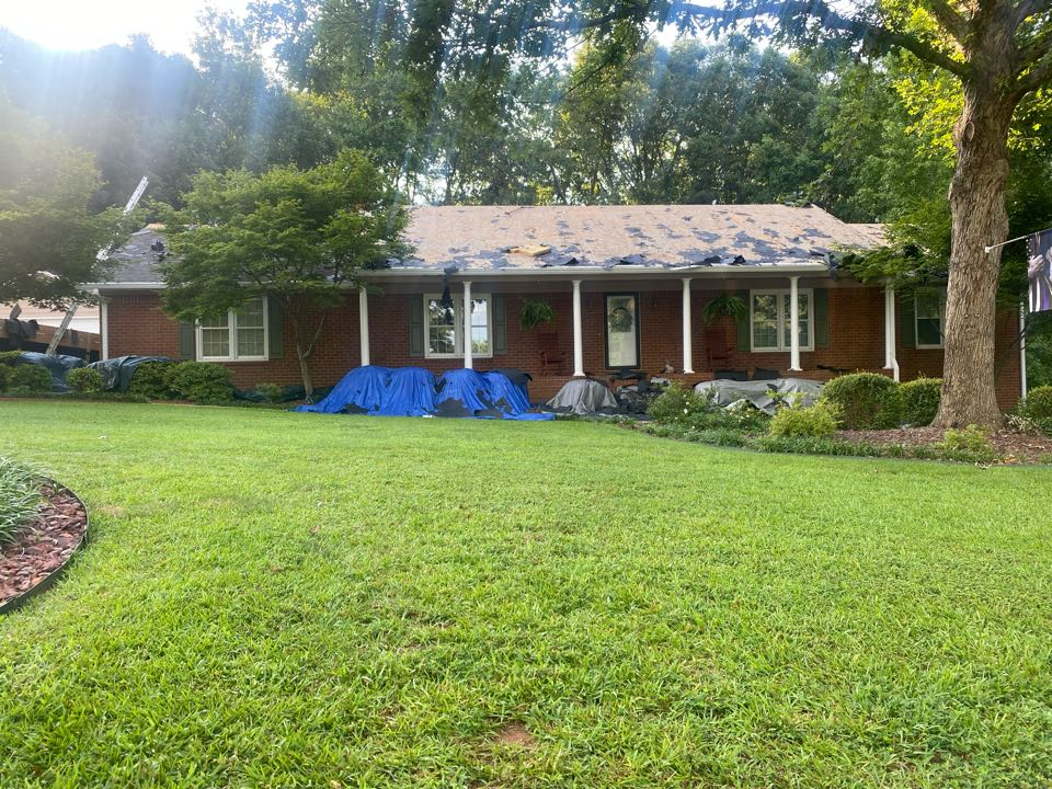 Watkinsville, GA - Installing a roof for Country finanical