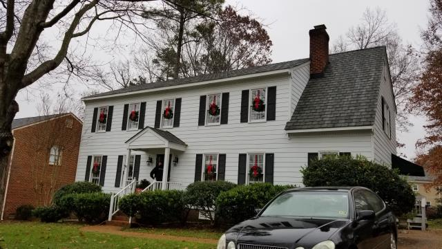 Richmond, VA - Evaluating replacement double hung window options in the beautiful colonial house in the west end of Richmond.